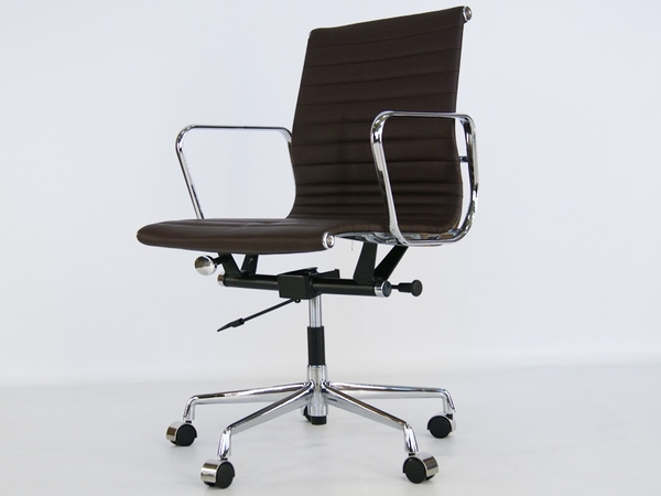 Eames chair Alu EA117 - Dark brown