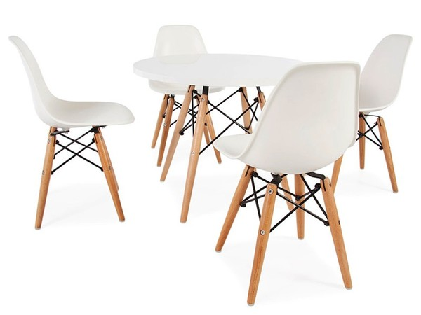 Eames kids table - 4 DSW chairs