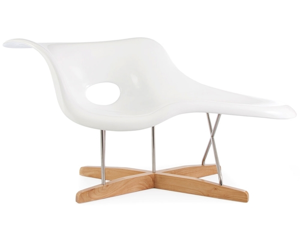 Eames La Chaise - White