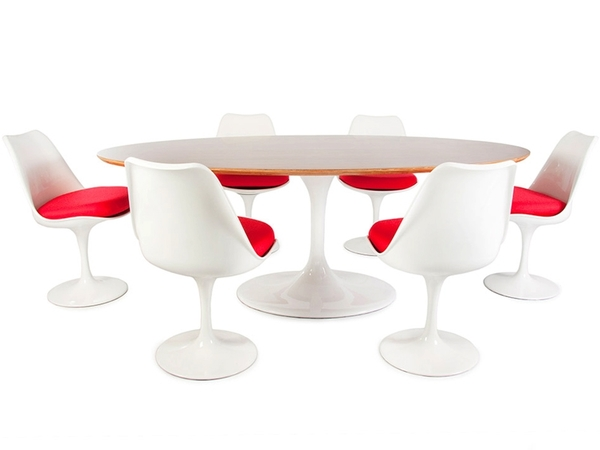 Oval table Saarinen and 6 chairs