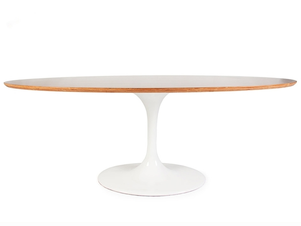 Oval table Tulip Saarinen