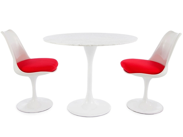 Tulip Table Saarinen and 2 chairs