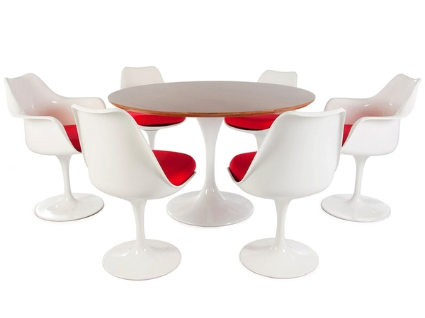 Tulip Table Saarinen and 6 chairs